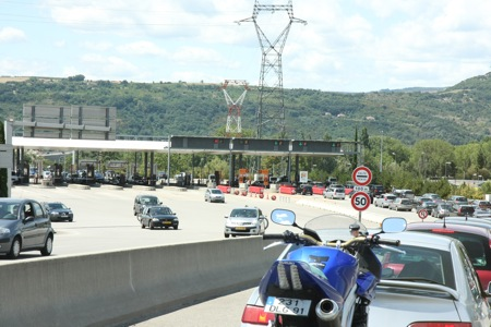 Approaching some tolls near Valence